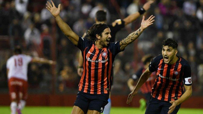 San Lorenzo derrotó 1 a 0 a Huracán en el clásico y le mete presión a Boca