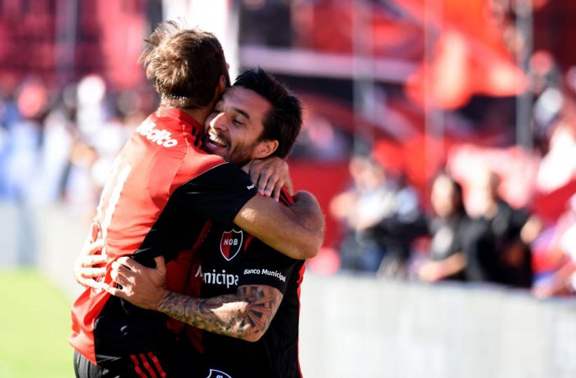 Newell's goleó a Vélez en Rosario