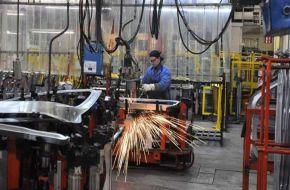 Se desacelera la caída de la industria PyME