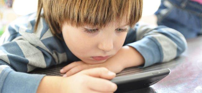 """Conozca como es la """"formula del dos"""" que le ayudará a cuidar la salud de sus hijos frente al uso de internet"""