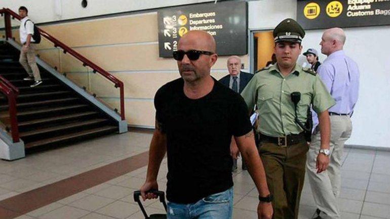 Sampaoli llegó al país para ser oficializado al frente de la Selección