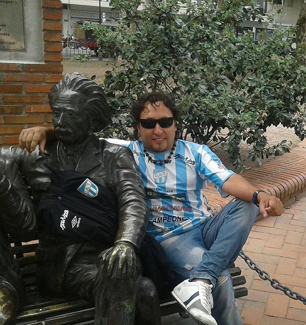 Llegan los hinchas decanos a Montevideo